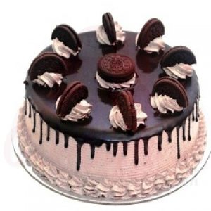 Oreo Vanilla Cake with Chocolate Cream