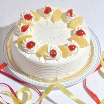 Round Shape White Forest Cake