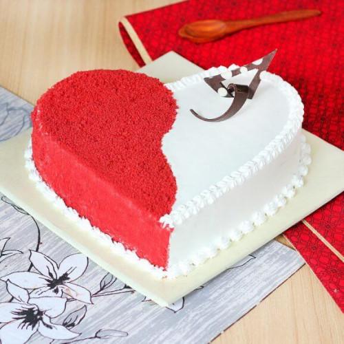 Tempting Heart Shape White Forest Cake